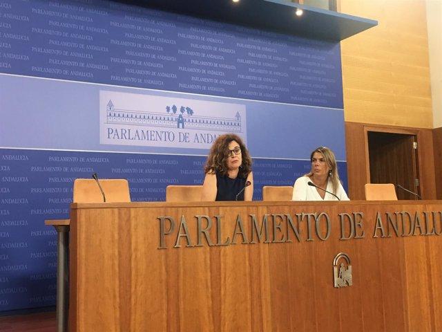 Esperanza Gómez y Begoña Gutiérrez, de Podemos Andalucía, en rueda de prensa