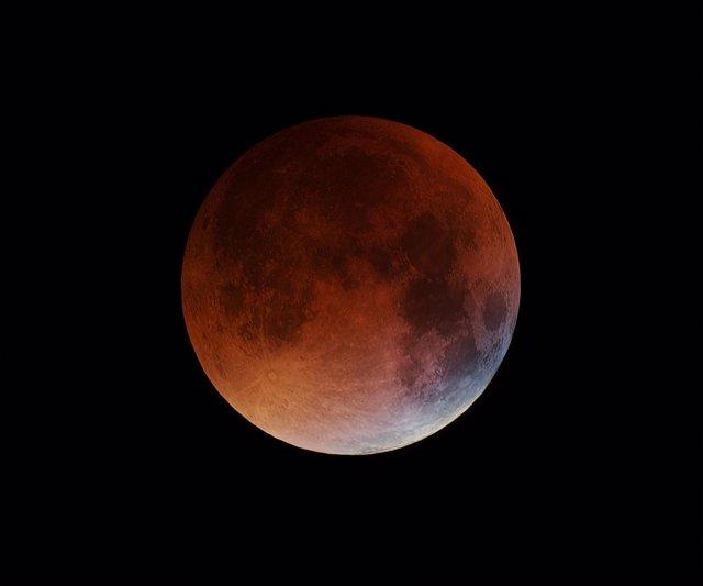 Eclipse lunar total de la superluna del 27 de septiembre de 2015