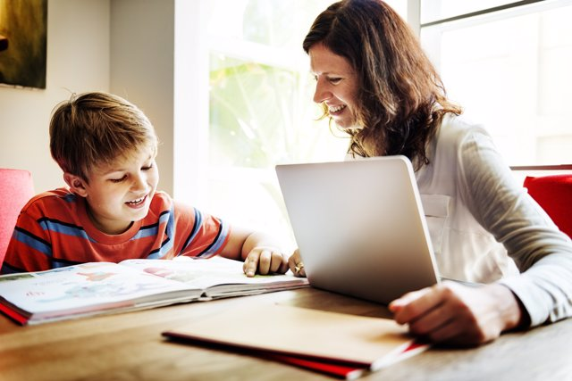 Evita hacer los deberes a tus hijos