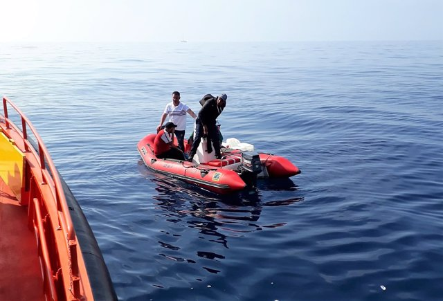 Patera rescatada frente a las costas de Vera