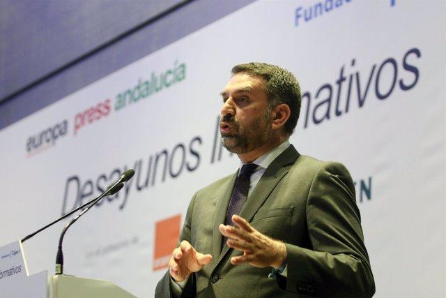 Consejero de Turismo, Francisco Javier Fernández, en desayuno Europa Press
