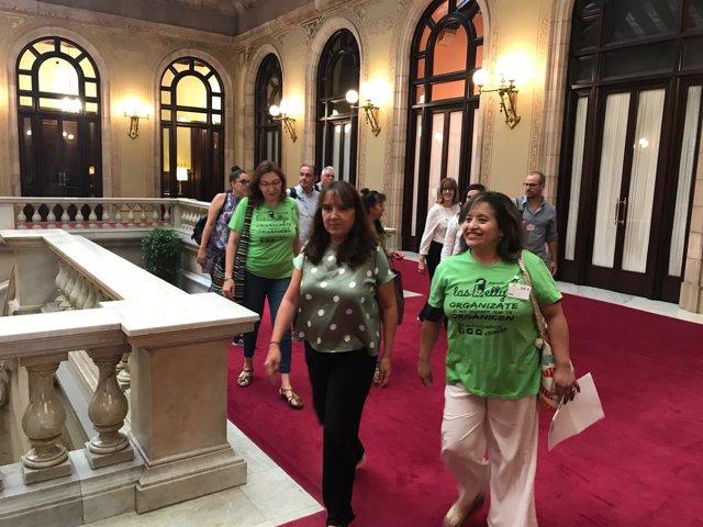 La diputada de CatECP Yolanda López con las Kellys