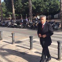Modesto Crespo entra a los juzgados, imagen de archivo