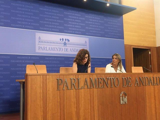 Las diputadas de Podemos Andalucía, Esperanza Gómez y Begoña Gutiérrez