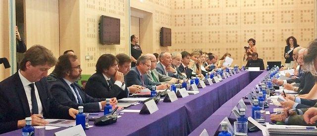 El consejero de Presidencia Pedro Rivera durante su participación en la reunión