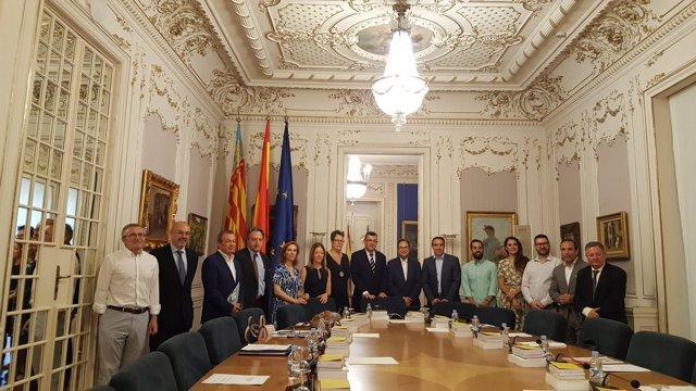 Reunión de la comisión mixta en Les Corts
