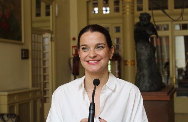 Margalida Prohens, en el Parlament (PP)