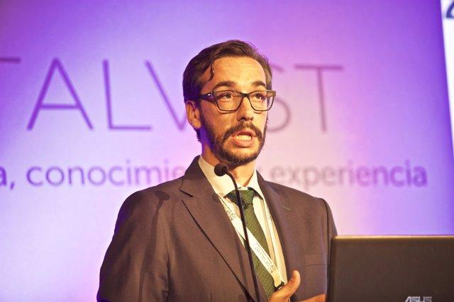 Roberto Gallego, oftalmólogo en la Unidad de Retina y Mácula de Oftalvist Valenc