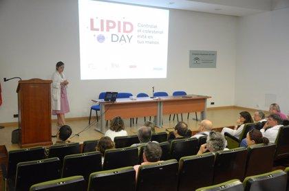 El Complejo Hospitalario de Jaén se suma a una campaña para fomentar el control de los niveles del colesterol en sangre