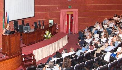 Unos 150 profesionales del Virgen del Rocío de Sevilla conocen el funcionamiento de la Biblioteca Virtual de Andalucía