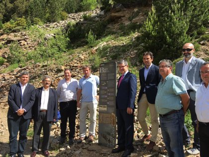 Comienza la política de reparación de la Memoria Democrática en Aragón con el Monolito de la Bolsa de Bielsa