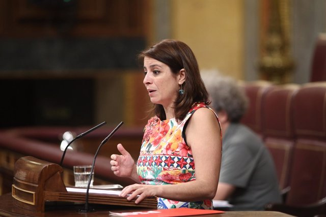 La portavoz del PSOE en el Congreso, Adriana Lastra, interviene en el Congreso