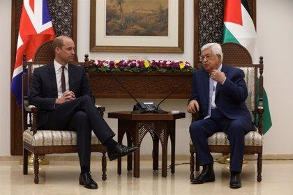 Abbas recalca su compromiso para lograr la paz con Israel durante su encuentro con el príncipe Guillermo