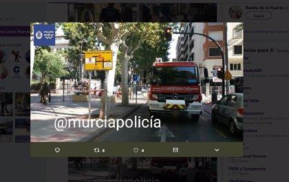 La Policía Local de Murcia restablece el tráfico en Alfonso X tras dar por controlada la fuga de gas