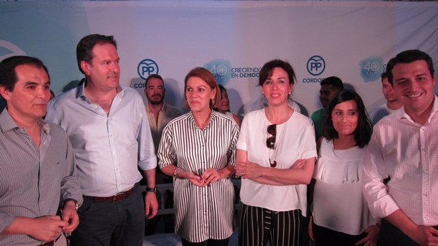 María Dolores de Cospedal con José Antonio Nieto, Adolfo Molina y otros cargos