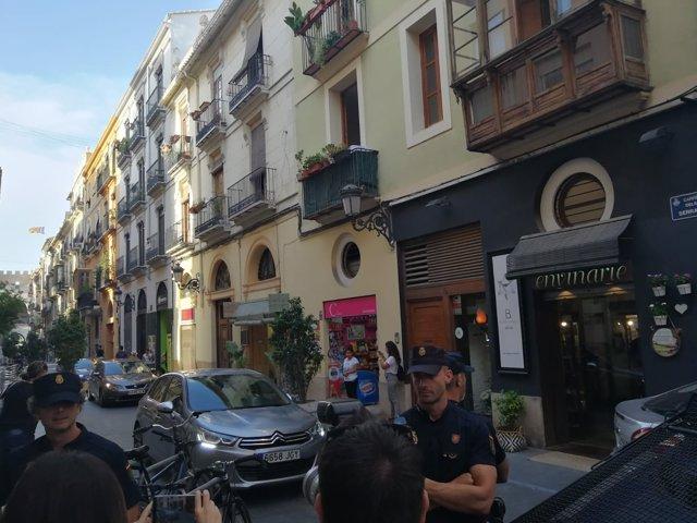 Llegada del coche con el presidente de la Diputación a la plaza de Manises