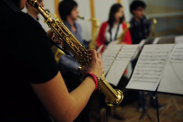 Conservatorio Superior de Música de Aragón. Instrumentos, partitura, clase