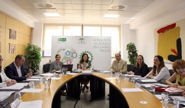 Lina Gálvez ocupa la presidencia del Consejo de Administración de Extenda.