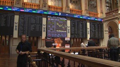 El Ibex amplía su subida al 1,3% y supera los 9.700 puntos, con Caixabank liderando las alzas