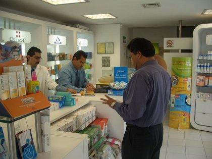 Uno de cada 5 empleados de farmacia desconoce que el domingo entra en vigor la nueva normativa sobre bolsas de plástico