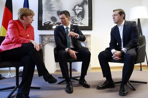 Pedro Sánchez se reúne con Angela Merkel y Alexis Tsipras