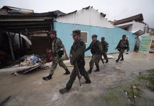 Militares patrullando el estado mexicano de Quintana Roo