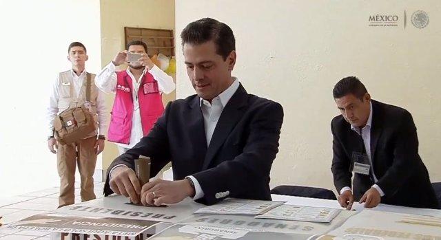 El presidente saliente de México, Enrique Peña Nieto