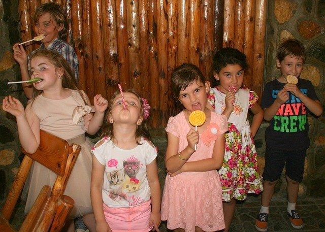 Niños, caramelos, chuches, pandilla