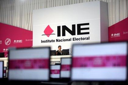 La cúpula INE guardó un minuto de silencio por los más de 100 muertos relacionados con las elecciones en México