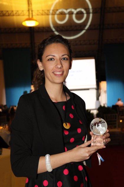 La óptica Beatriz Jiménez, cooperante del año para la Fundación Ruta de la Luz