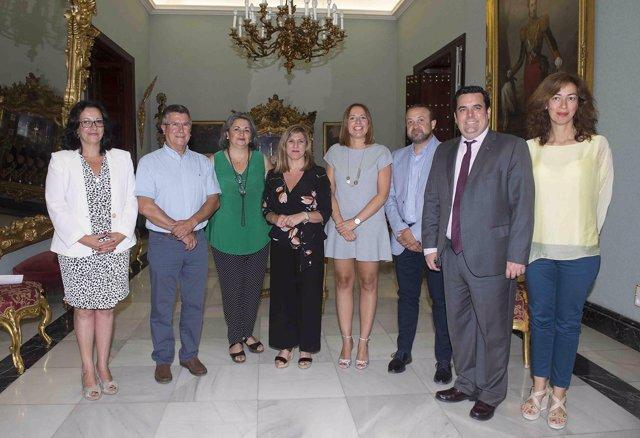 La presidenta de la Diputación con representantes empresariales