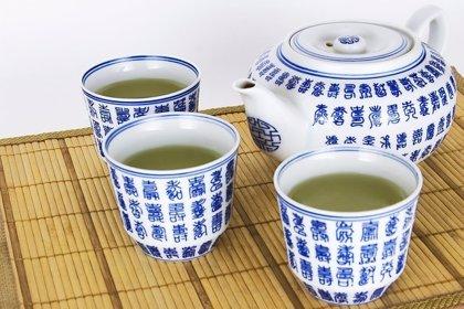 Algunos compuestos presentes en el té verde y el vino tinto pueden servir para tratar enfermedades metabólicas
