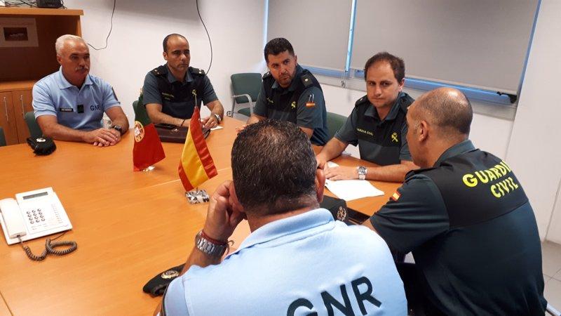 Agentes de la gnr de portugal patrullar n este verano con for Oficina de turismo laguardia