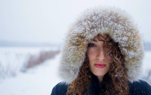 Mujer con frío