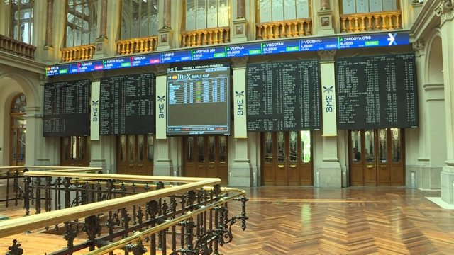 Imágenes de la apertura de la Bolsa de Madrid