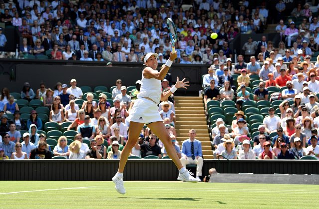Garbiñe Muguruza gana en su debut en Wimbledon