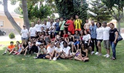 Un total de 32 niños con enfermedad renal participan en el campamento de verano de ALCER