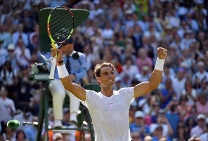 Nadal solventa sin problemas su estreno en Wimbledon