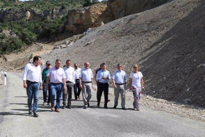 Reabre la carretera de Castell de Mur donde murieron dos personas al desprenderse una roca