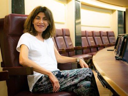 La murciana Carmen Baños toma posesión de su escaño en el Congreso de los Diputados