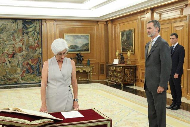 María José Segarra promete su cargo como fiscal general del Estado
