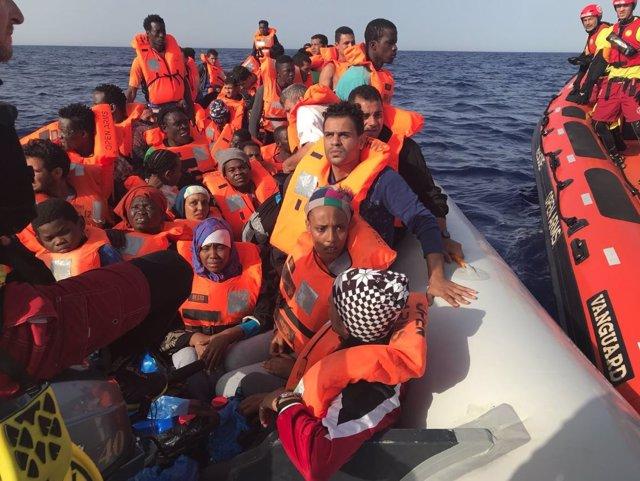 Rescatados por la ONG Open Arms (Archivo)