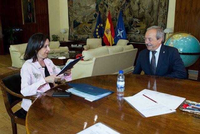 Ministra de Defensa y Alcalde de Oviedo