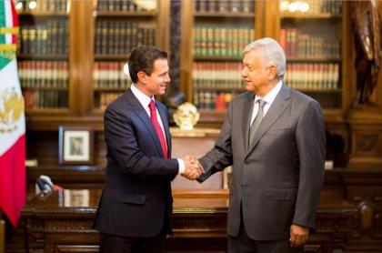 Peña Nieto recibe a López Obrador en el Palacio Nacional