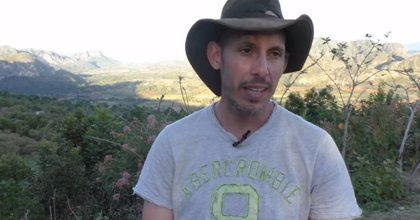 El biólogo cubano Ariel Ruiz Urquiola recibe la libertad condicional