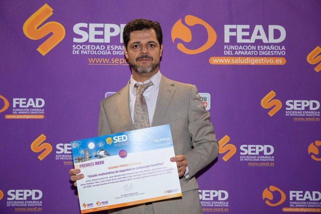 Eduardo Espinet, Ganador De Unos De Los Premios REED