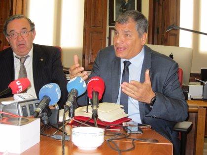 """Rafael Correa asegura que la orden de prisión preventiva en su contra es un """"gran complot y un gran montaje"""""""