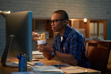 Consejos para alimentarse bien si trabajas de noche