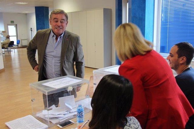 José Manuel Barreiro, vota en la elección del presidente del PP