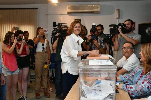 Cospedal vota en Albacete